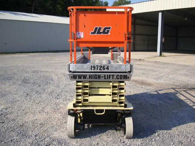 2010 JLG 2646ES-3
