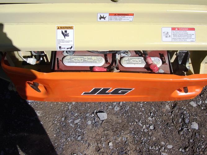 2011 JLG 3246ES-5