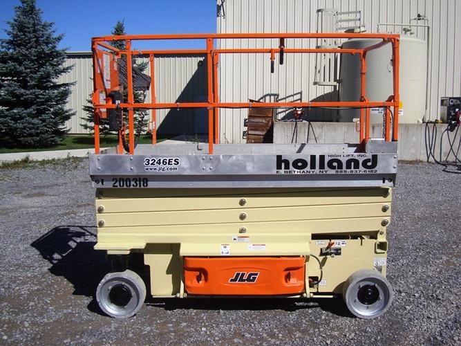 2011 JLG 3246ES-1
