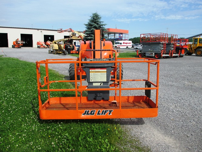 2012 JLG 600AJ-7