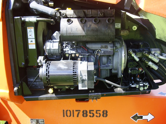 2013 JLG 600AJ-9