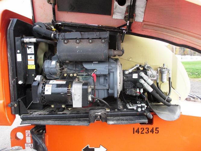 2010 JLG 600S-8