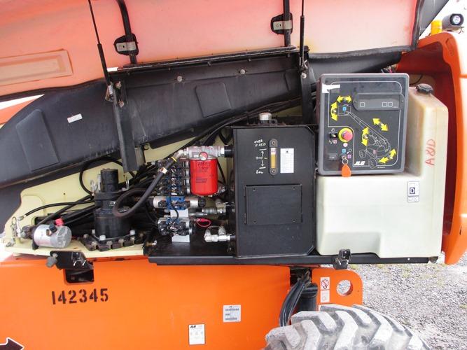 2010 JLG 600S-9