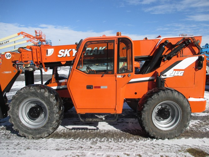 2010 SKY TRAK 10054-3
