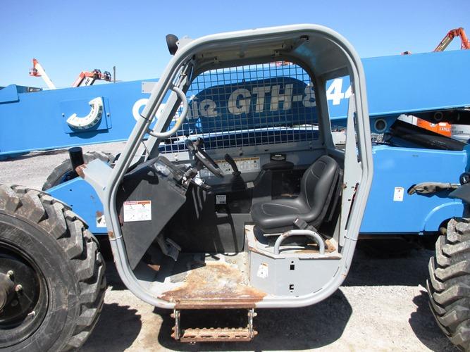 2013 Genie GTH844-8