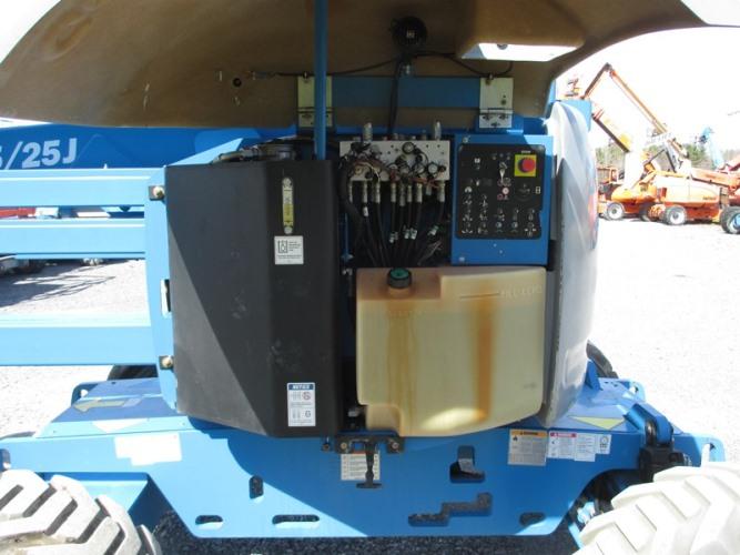 2012 GENIE Z45/25JRT-7