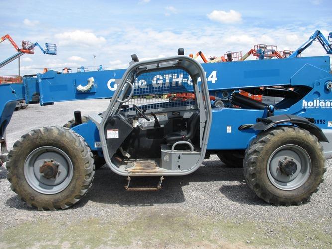 2013 GENIE GTH-844-3