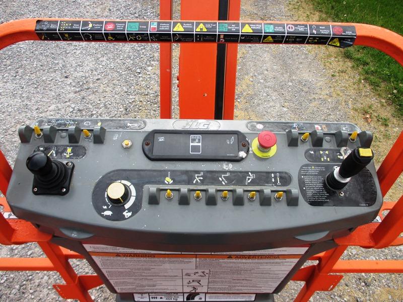 2014 JLG 800AJ-10