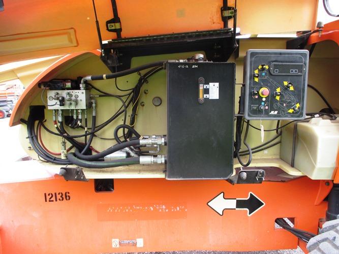2008 JLG 800S-10