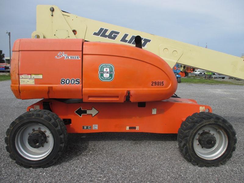 2008 JLG 800S-4