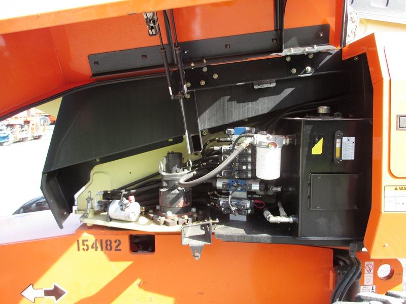 2012 JLG 660SJ-8