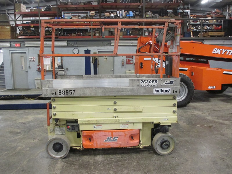 2011 JLG 2630ES-1