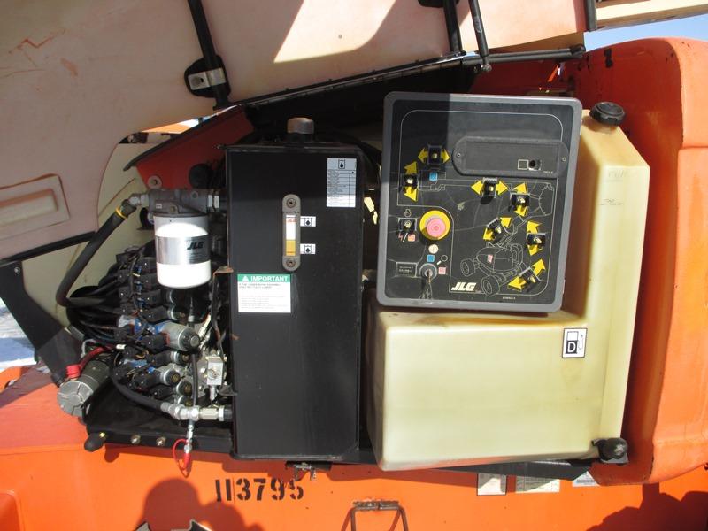 2007 JLG 600A-9