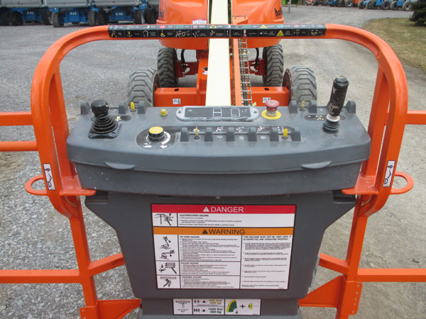 2008 JLG 400S-8