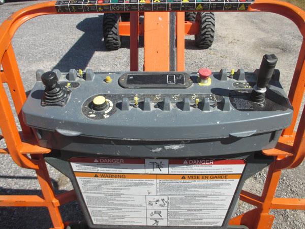 2012 JLG 460SJ-8