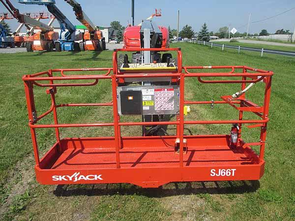 2017 SkyJack 66T-7