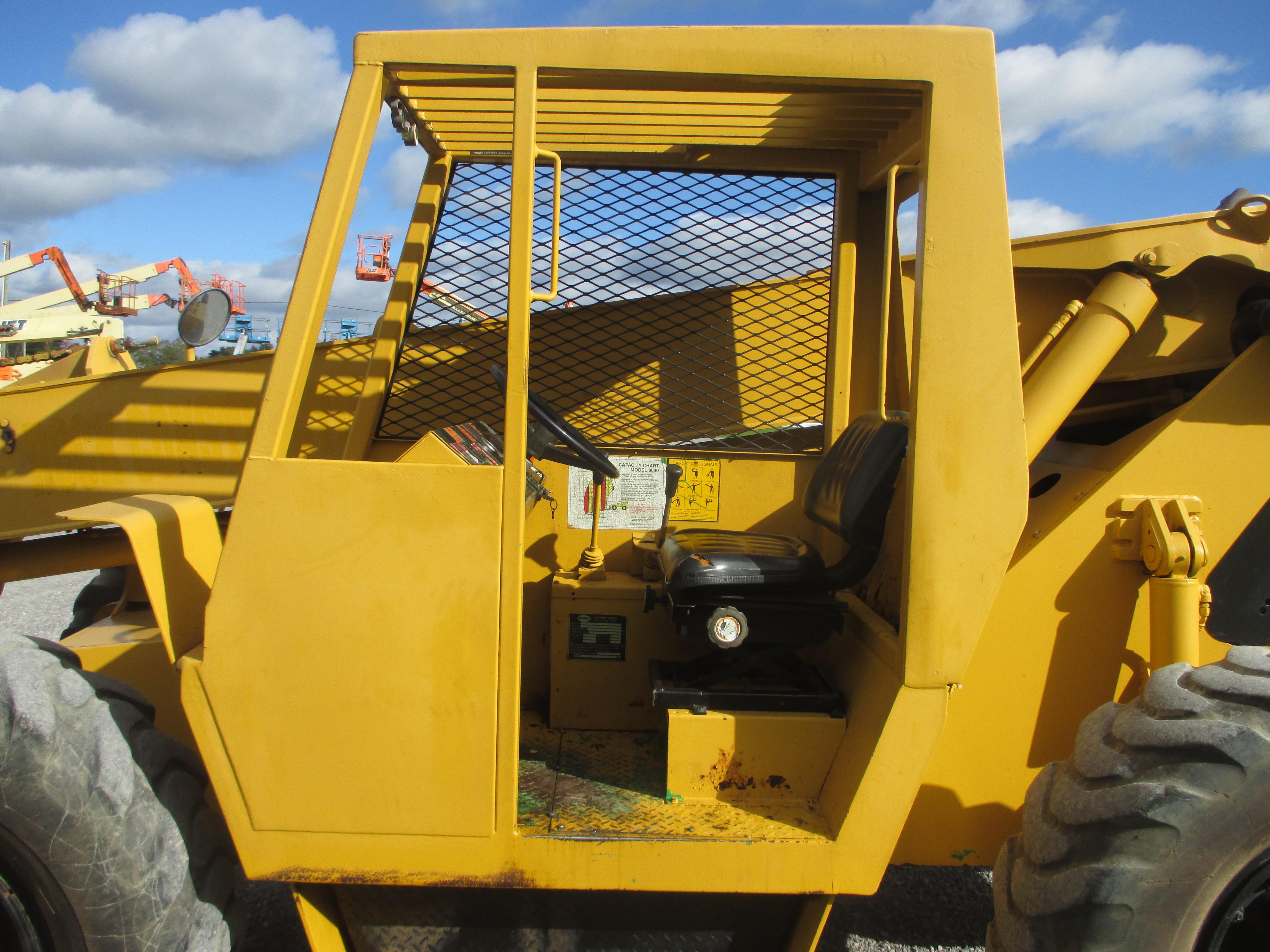 2000 Carelift 8040-6