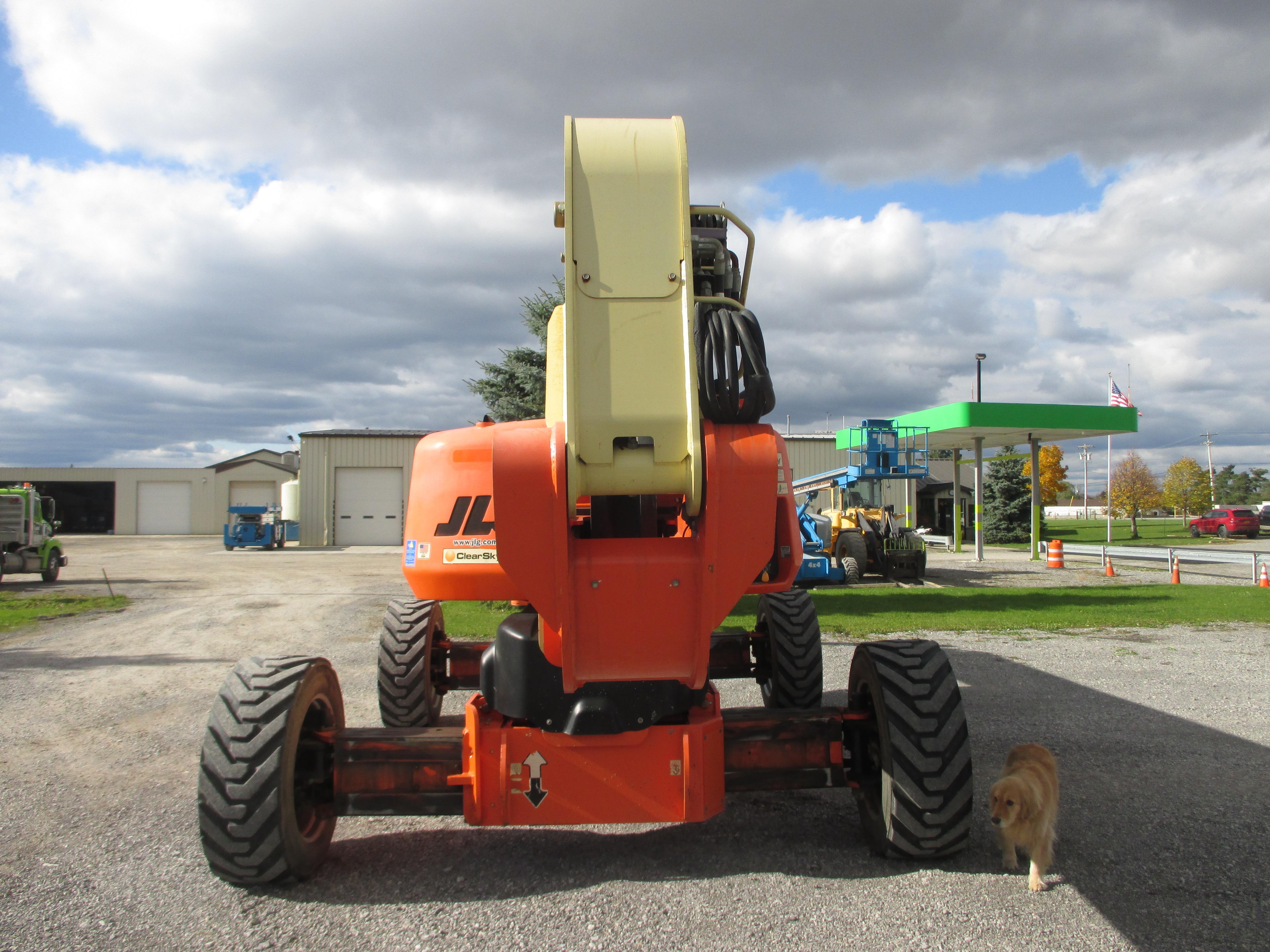 2011 JLG 1250AJP-10