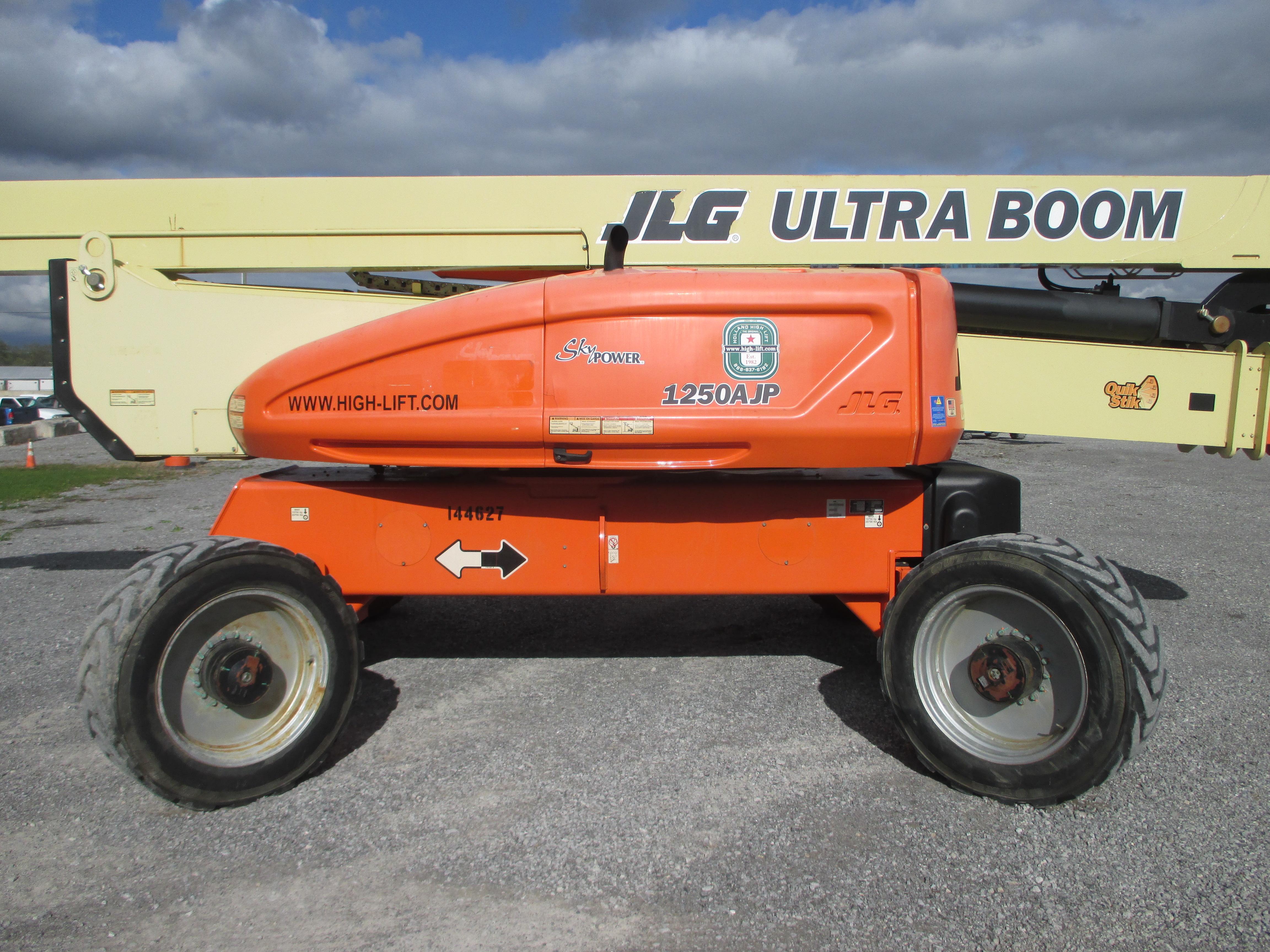 2011 JLG 1250AJP-6