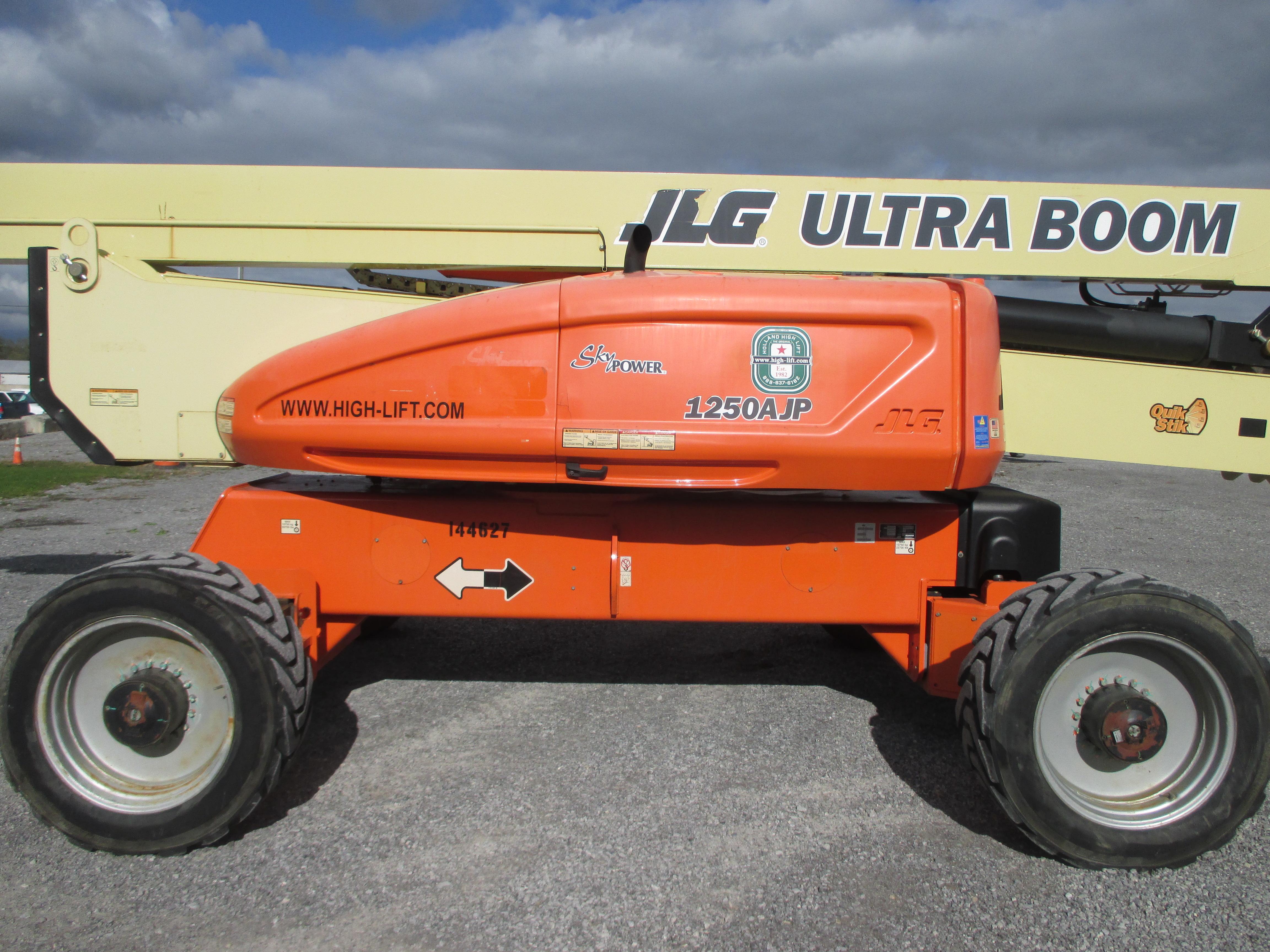 2011 JLG 1250AJP-7