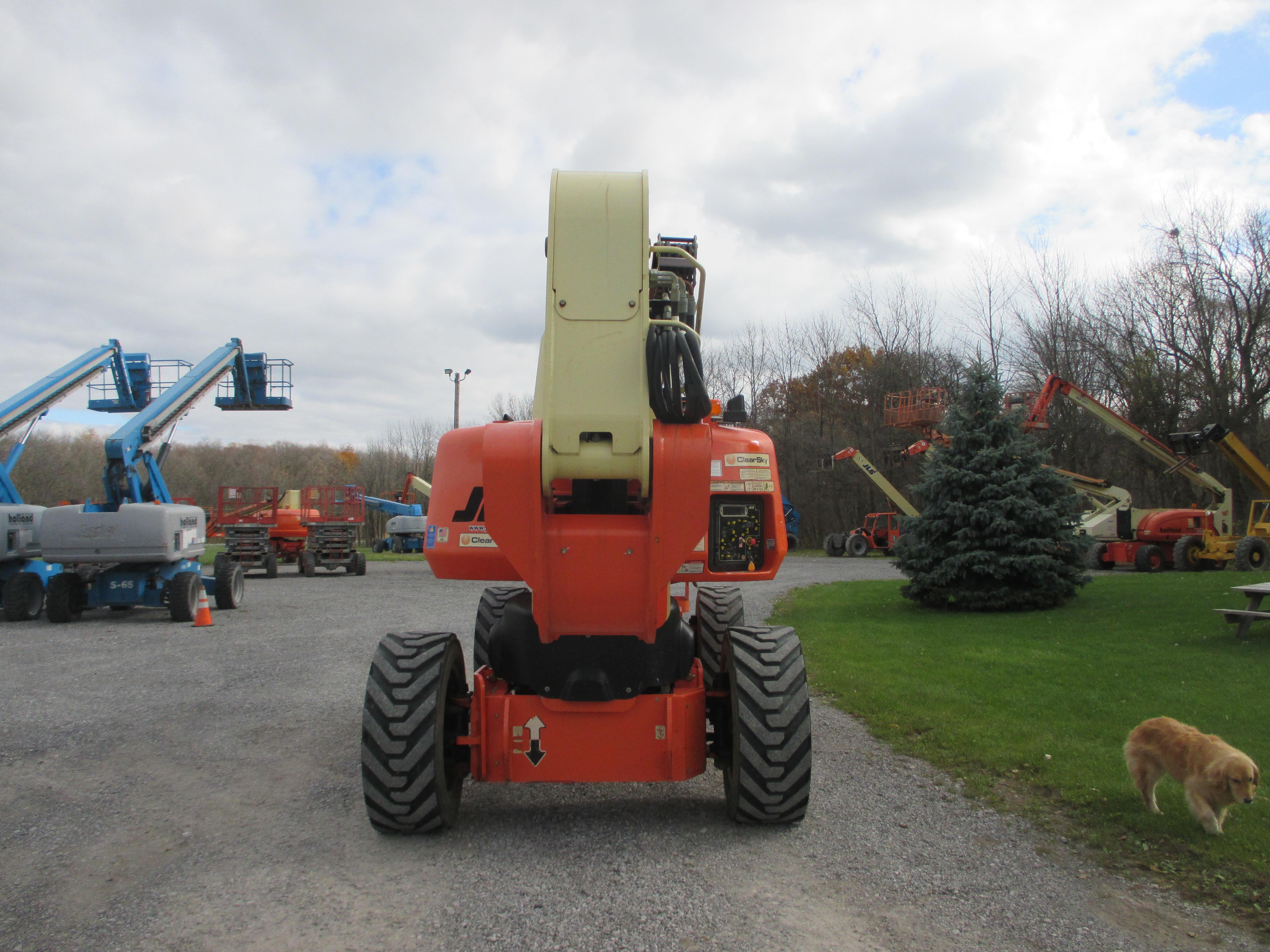 2011 JLG 1250AJP-9