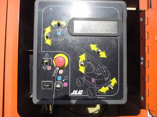 2011 JLG 800S-10