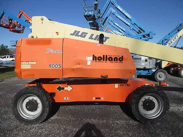 2011 JLG 800S-5